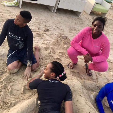 shade Okoya on vacation with kids (2)